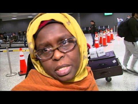 ΗΠΑ: Δάκρυα χαράς στα αεροδρόμια για την αναστολή του διατάγματος Τραμπ