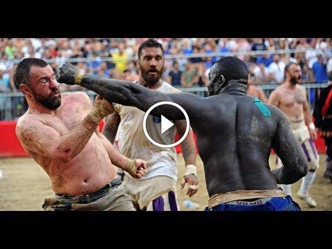 Calcio Storico Gladiator Fight Football