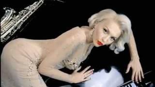 видеоклип Оля Полякова - Love is... онлайн