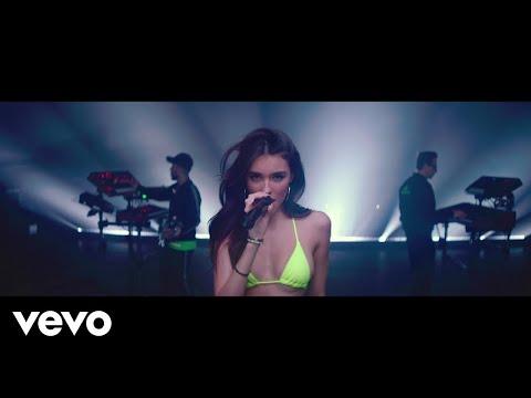 Jennifer Lopez & Steve Aoki - Medicine (Steve Aoki from the Block Remix) - Thời lượng: 2 phút và 57 giây.