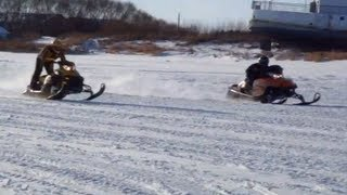 9. Ski-Doo Rev 800R Vs Arctic Cat Crossfire 8