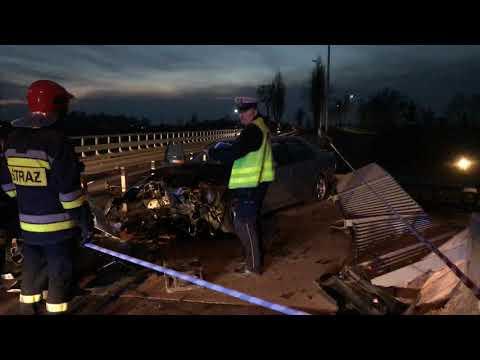 Wideo: Wypadek na wiadukcie nad S3 na drodze Lubin - Obora