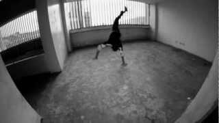 Este video sencillo es un tributo para el HipHop Venezolano, el cual a logrado llegar a nivel internacional. (Sin fines de lucro, ni afiliación a Partidos Políticos)Con la colaboración de:-Speedy Angels (Chino, Turbo man, P flex, Chuox, Miniyou, Mini breaker, Lil g)-Vizualeyce Prod. (Elemento) -Altrna (Marvin Rodriguez)-Elevarte prod. (Carlos Perez)-Mctemacito