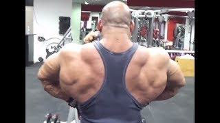 The Lion of Egypt Anwar El-Sayed training his big back!