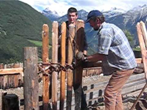 Zaun bauen am Schüsslerhof