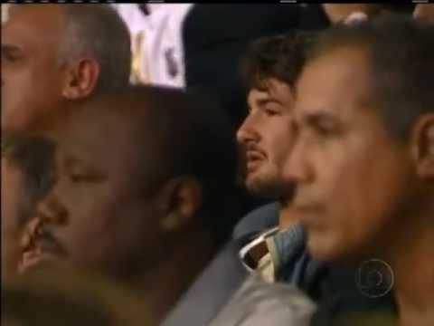 Alexandre Pato j� esteve junto com a torcida do Corinthians