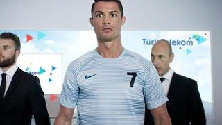 Video Türk Telekom Ronaldo Reklamı - Hızın Yeni Adı GİGA 4.5G MP3, 3GP, MP4, WEBM, AVI, FLV Maret 2019