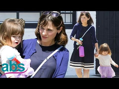 Zooey Deschanel steps out with her daughter Elsie after New Girl ends  | ABS US  DAILY NEWS