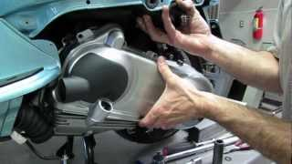 10. Belt Change, Variator/Clutch Inspection Vespa LX150 and More