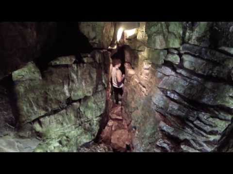 Blue Mountain Caving + Suspension Bridge (Scenic Caves) (видео)