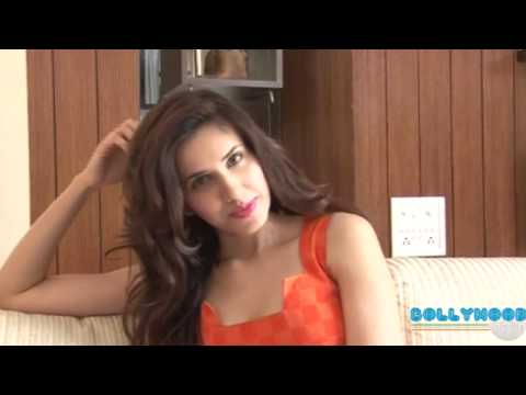 Video Sunny Leone Shoots For XXX Energy Drink download in MP3, 3GP, MP4, WEBM, AVI, FLV January 2017