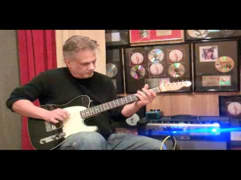 Pete Anderson Demos the Way Huge Aqua-Puss analog