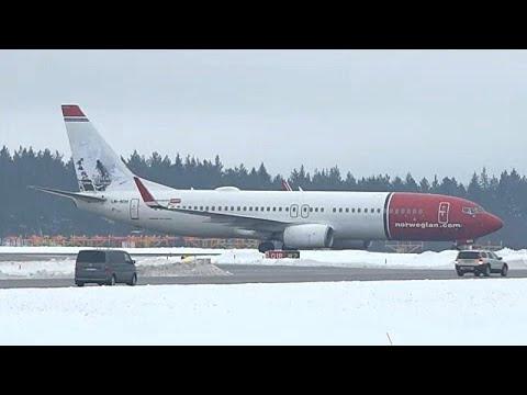 Αναγκαστική προσγείωση αεροσκάφους λόγω απειλής για βόμβα…