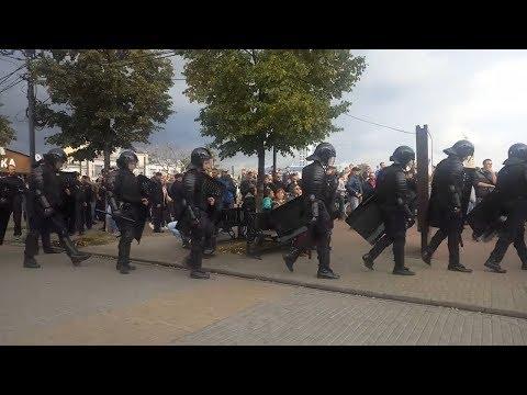 С митинга в Челябинске ОМОН уходил под аплодисменты