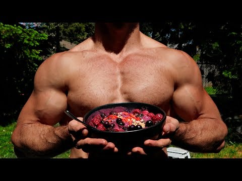 Nutrition - STILL GETTING STRONGER?! HUMAN FLAGS & SMOOTHIE BOWLS