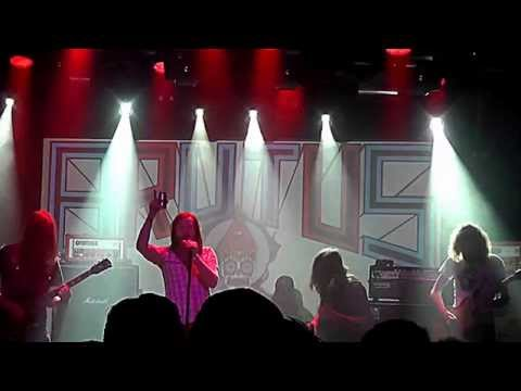 Brutus, lost all their gear in a fire, still kicked @013's ass! #Roadburn #kgvid [video]