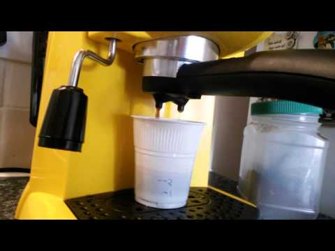 How to use the DeLonghi EC220 espresso machine