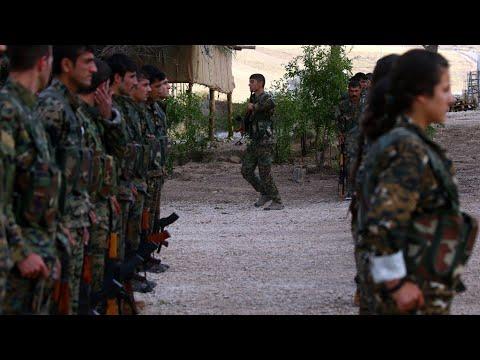 العرب اليوم - شاهد: التحالف الدولي يشكل قوة عسكرية حدودية جديدة تضم فصائل كردية