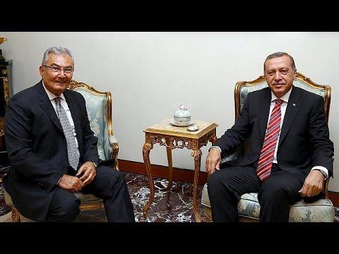 Α. Νταβούτογλου: «Εκτός διαβουλεύσεων ο Ερντογάν»