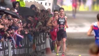 Video Crazy sprint finish between Javier Gomez & Jonathan Brownlee MP3, 3GP, MP4, WEBM, AVI, FLV Januari 2019