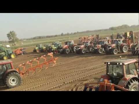 Défilé tracteur!!! plus de 12 000 chevaux agricole dans AGROGLOBAL ;) pt nº 2