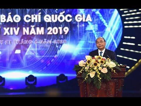 Thủ tướng dự Lễ trao Giải Báo chí quốc gia