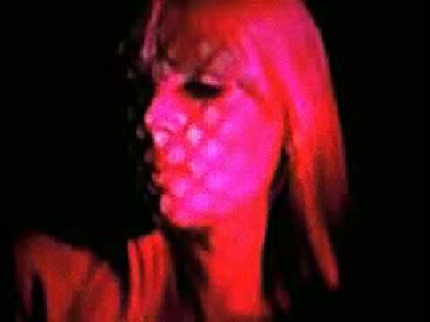 Tekst piosenki Nico - Fearfully In Danger po polsku