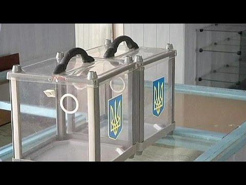 Ukrayna'da erken genel seçimler için nefesler tutuldu