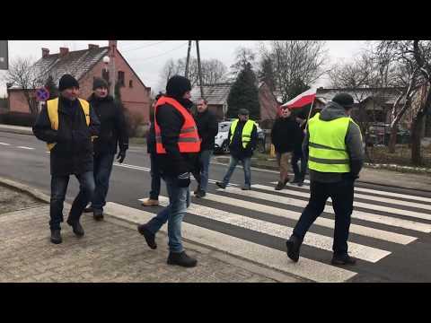 Wideo1: Protest rolników na przejściu dla pieszych w Garzynie