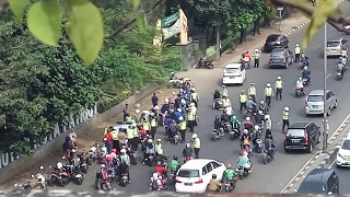 Video Razia Polisi   Operasi Zebra di Hutan Kota Bekasi - Indonesia, 11 Mei 2017 MP3, 3GP, MP4, WEBM, AVI, FLV Juni 2018