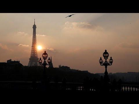 Wettlauf auf dem Eiffelturm: 129 Läufer über 1665 Stu ...