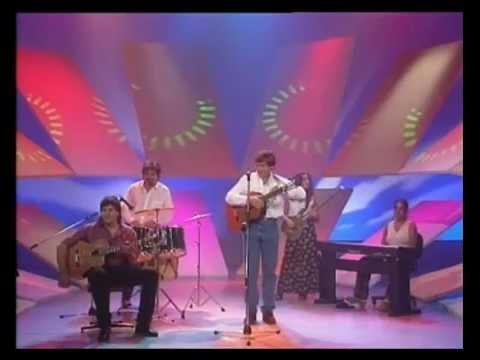 Facundo Saravia video Una canción de aquí - CM Vivo 1996