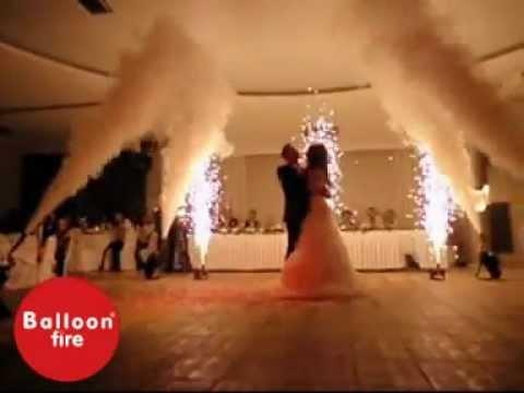 CO2 effects στον χορό του ζευγαριού σε γάμο