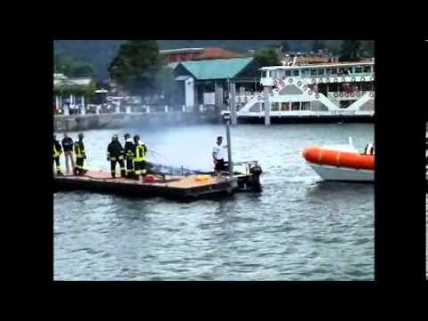 Laveno Mombello imbarcazione in fiamme