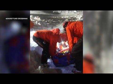 Ανασύρθηκε ζωντανός μετά από πέντε ώρες θαμμένος στο χιόνι…