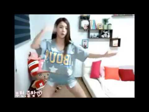 可愛的正妹跳充氣舞 真是可愛