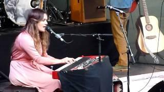 Angus & Julia Stone - Hold On (HD Live) @ Openluchttheater Caprera Bloemendaal