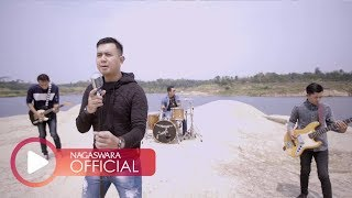 Download lagu Merpati Band Hatimu Sekeras Batu Mp3
