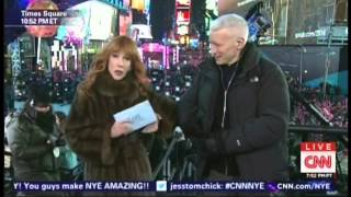 New Year's Eve Live 2015 Anderson Cooper Kathy Griffin Times Square New York (8/17)