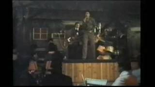 video y letra de Busca un amor  por Juan Gabriel