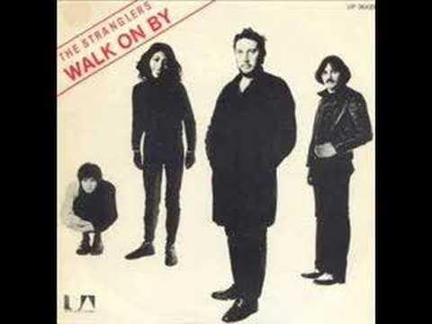 Tekst piosenki The Stranglers - Walk on By po polsku