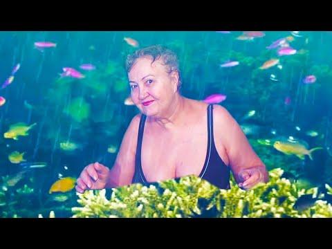 Пенсионерка из Хакасии снимает видео со спецэффектами на фоне хромакея