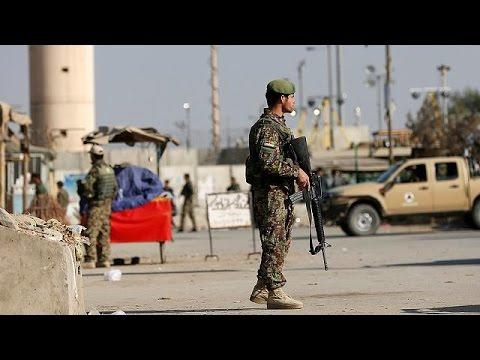 Αφγανιστάν: Αιματηρό χτύπημα στη μεγαλύτερη αεροπορική βάση του ΝΑΤΟ