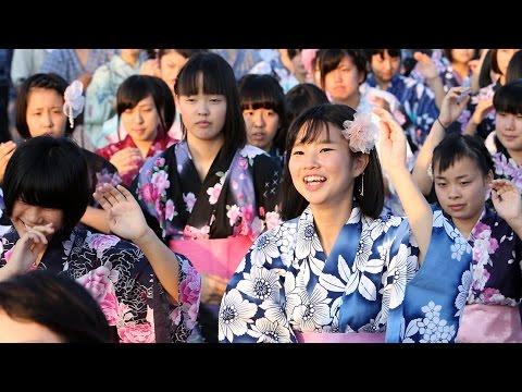 「日本遺産」踊ってお祝い 丹波篠山のデカンショ祭