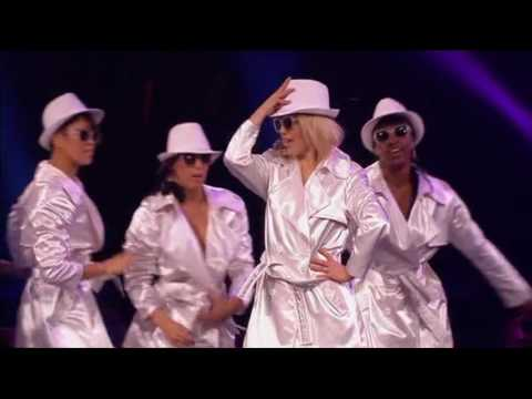 Britney Spears - The Femme Fatale Tour (Live)