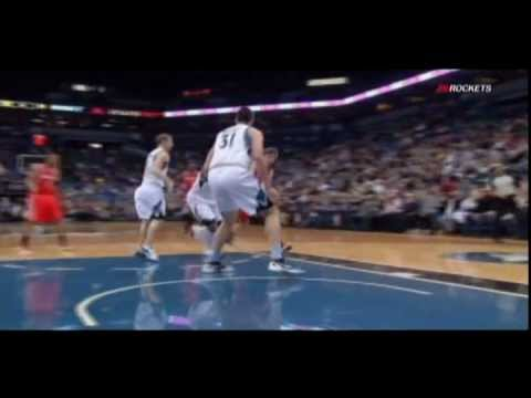 Chandler Parsons bounce pass to Luis Scola