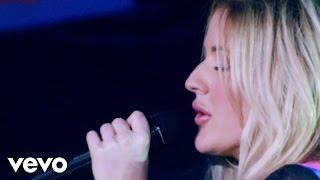 Ellie Goulding - Keep On Dancin' (Live)