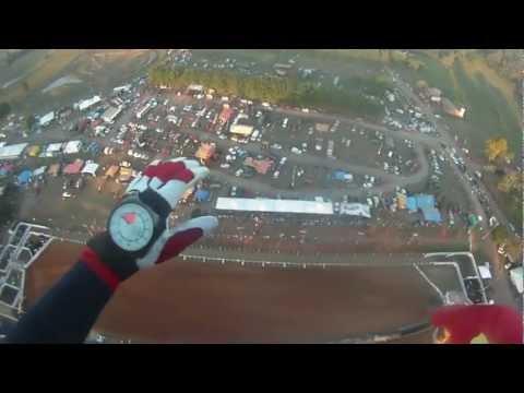 Demonstração de paraquedismo em Glorinha - RS