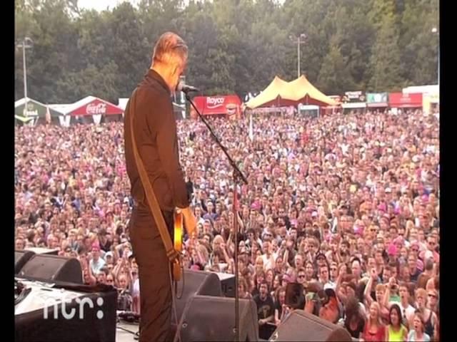 Resultado de imagen de Triggerfinger live at Pinkpop 2013.