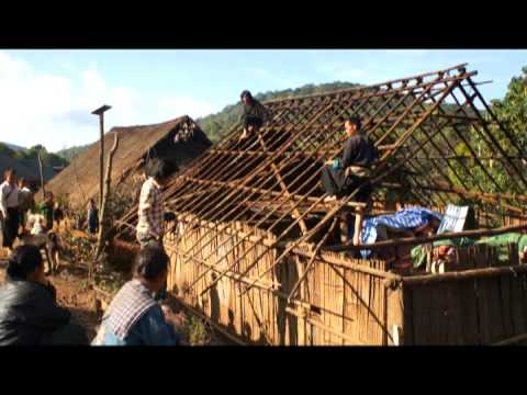 Travel Laos, Mus saib Hmoob thiab qub Zog Phuv-Npuv,  nyob qaum LPB